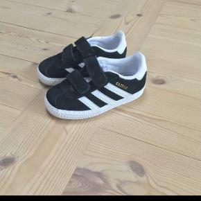 Adidas Gazelle fritid sko fremstår i meget flot stand