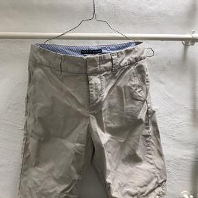 Fine shorts. Måler 80 cm i omkreds i livet.