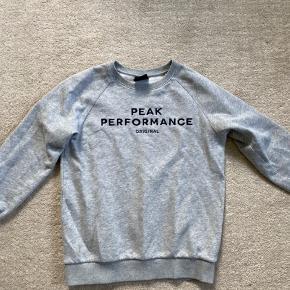 Rigtig lækker sweatshirt. Kan bruges af både drenge og piger.