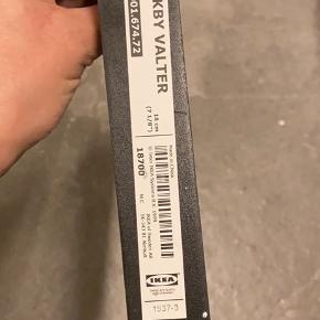 Hyldeknægte fra Ikea. 18 cm. 15kr/ stk. Har 8 stk.