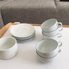 Fint te/kaffestel  Fem kopper, seks undertallerkener og en skål Sendes ikke