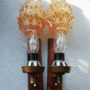 Sælger disse 2 utrolige charmerende teak-træs lamper