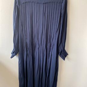 Smukkeste kjole - stor i str. Brugt 1 gang