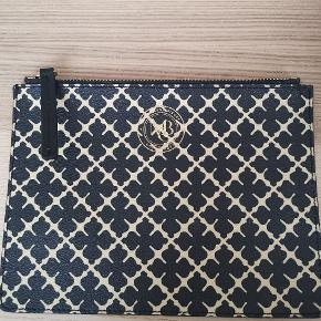 Lille håndtaske 16 x 22 cm