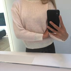 Design by Si sweater
