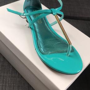 Soaked in Luxury sandaler