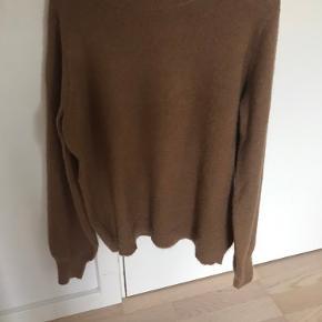 Sælger den skønne strik i en blanding af alpaka og uld. Den er i str. s/m.  Kom gerne med et bud:)