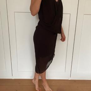 Rigtig fin draperet Helmut Lang kjole, kan nok godt også passe en lille medium