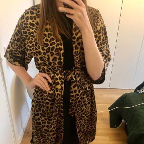 Dahrling kimono