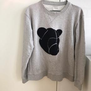Sælger tonsure sweatshirt da den desværre er for lille til mig på 191