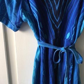 Vintage kjole i tykt blødt stof