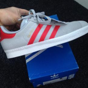 Adidas gazelle herresko sneakers.kvittering haves.Helt ny!Aldrig brugt.Str.42 2/3  Ang afsendelse/afhentning