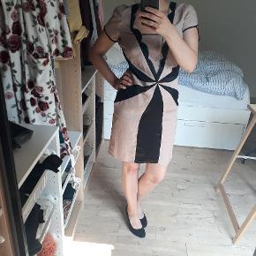 Super smuk kjole i 100% silke