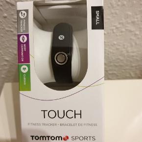 TomTom Touch fitness-tracker sælges, da jeg ikke får det brugt. Jeg har haft det på 2 gange, så det fremstår fuldstændig som nyt.