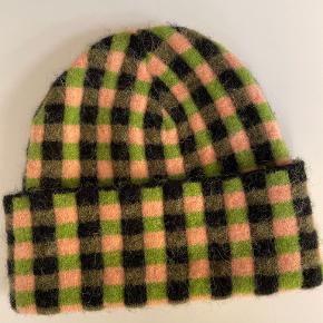 Stine Goya Hat & hue