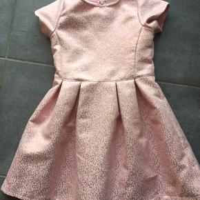 Super fin og festlig kjole
