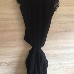 Ny og ubrugt buksedragt fra Neo Noir Str. Small Kan sendes eller afhentes i Brøndbyøster