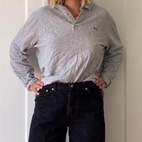 Lacoste langærmet polo.  Tjek min profil for masser af tøj til billige priser🎈