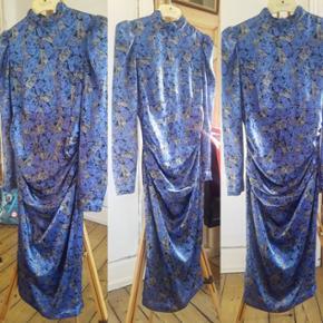 Elegant og unik vintage kjole. Str. XS/S