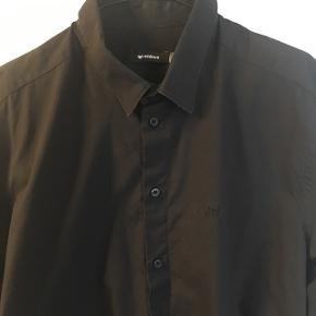 Køb to eller flere stykker tøj - få 50 % på billigste valg