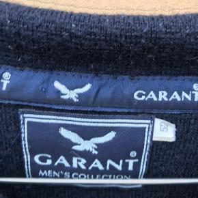 Vintage long sleeve polo garant sælges billigt fitter medium/large! Byd eller køb nu