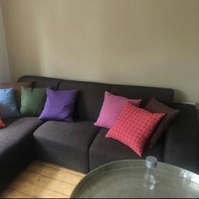 Velholdt sofa fra ikke-ryger hjem.  Længde: 250 cm Bredde: 185 cm Dybde: 98 cm