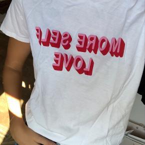 Ellos t-shirt