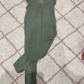Hummel buksedragt