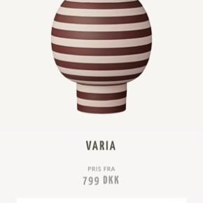 Smukkeste vase fra AYTM. Perfekt stand!  Sender gerne, køber betaler Porto.