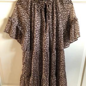 Sød kjole/tunika brugt få gange.