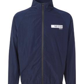 MUF10 Tracksuit jakke St. S Brugt 1-2 gang  Jeg overvejer at sælge min MUF10 tracksuit - sælger kun hvis et godt bud kommer. Nypris: 1600 Svarer ikke urealistisk bud tak.