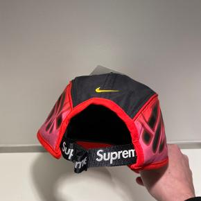 Supreme x Nike cap SS20 Cond: DSWT Str: OS