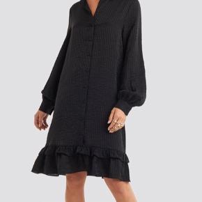 Kjole fra na-kd, som næsten ikke er brugt Spørg for billeder af min egen