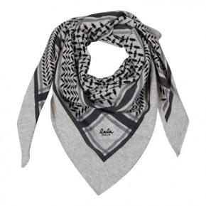 Lala Berlin Triangle Trinity Classic Tørklæde Flanella. Aldrig brugt - stadig med prismærke og har kvittering :-)