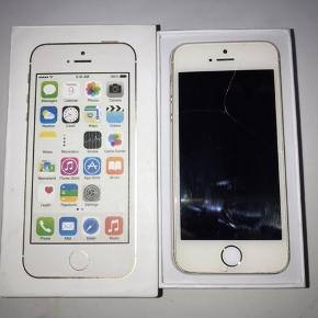 Np: 2.899 Sælger denne iPhone 5s, da den har en flænge i skærmen.  IPhonen er i gold  BYD BYD BYD
