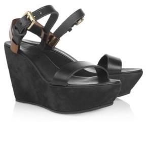 Fine sandaler i plateau