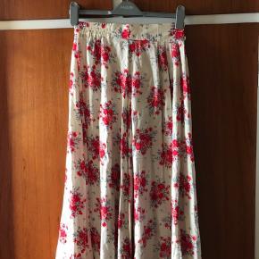 Flotteste nederdel  Vælg en gratis gave med af værdi af max 25 kr
