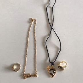 Roberto Cavalli (Just Cavalli) ringe og halskæder. Sparsomt brugt, købt i Italien. Halskæder 200 pr stk og ringe 300 pr stk.
