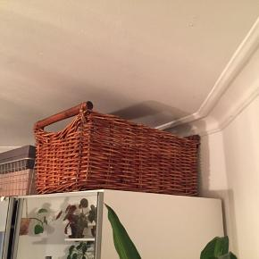 A huge retro vintage basket: 34 x 160. 28 cm high. Very firm and can store lots of things.