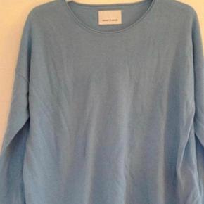 Fin lyseblå bluse