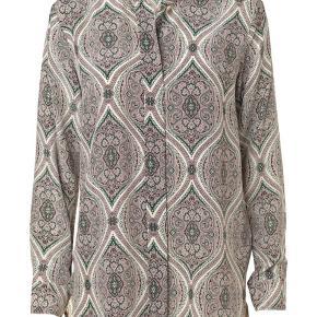 Smuk Malene Birger silke skjorte sælges, brugt og vasket få gange.