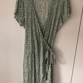Brugt en enkelt gang.  BYIC Mille kjole.