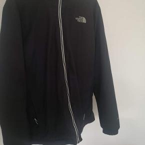 Sælger denne lækre jakke fra The North Face. Brugt som overgangsjakke og i god stand.