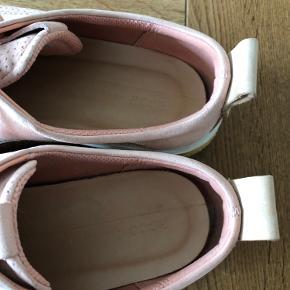 Ecco sko, brugt få gange.  Str 41.  Sælges for 275kr kr