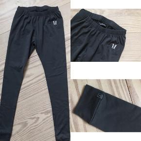 Flotte mørkegrå Vuarnet ski undertøj eller træningsbukser. Str. small. Som nye.  Porto 38 kr.