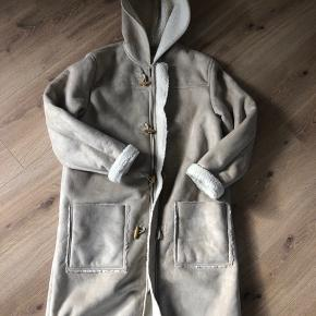 Enrico mori jakke / frakke Ikke ægte skind og pels