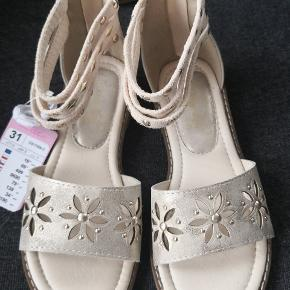 Ny sandaler