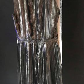 Den smukkeste mærk sølv Inwear kjole str 38 NY (købspris 1299kr)