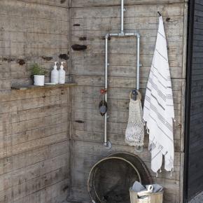 2 stk. Meraki Mkan04 180x100 kæmpe håndklæder. De er vasket men ikke brugt. Nypris pr. Stk 229,- Min pris er samlet for begge to og prisen er fast. Billede 2 er for at vise størrelsen - farven er dog en anden!
