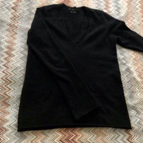 Zara soft cashmere jumper in very good condition. Mp 200